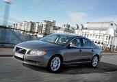 http://www.voiturepourlui.com/images/Volvo/S80/Exterieur/Volvo_S80_035.jpg