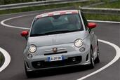 Abarth 500  photo 9 http://www.voiturepourlui.com/images/Abarth/500/Exterieur/Abarth_500_009.jpg