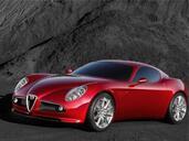 Alfa-Romeo 8C  photo 5 http://www.voiturepourlui.com/images/Alfa-Romeo/8C/Exterieur/Alfa_Romeo_8C_005.jpg