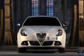Alfa-Romeo Giulietta 2014  photo 10 http://www.voiturepourlui.com/images/Alfa-Romeo/Giulietta-2014/Exterieur/Alfa_Romeo_Giulietta_2014_010_avant.jpg