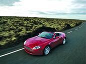 Aston-Martin V8 Vantage Roadster  photo 16 http://www.voiturepourlui.com/images/Aston-Martin/V8-Vantage-Roadster/Exterieur/Aston_Martin_V8_Vantage_Roadster_003.jpg