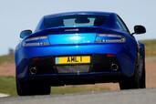 Aston-Martin V8 Vantage S  photo 3 http://www.voiturepourlui.com/images/Aston-Martin/V8-Vantage-S/Exterieur/Aston_Martin_V8_Vantage_S_003.jpg