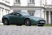 Aston-Martin V8 Vantage  photo 5 http://www.voiturepourlui.com/images/Aston-Martin/V8-Vantage/Exterieur/Aston_Martin_V8_Vantage_005.jpg