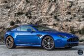 Aston-Martin Vantage GTS 2017  photo 7 http://www.voiturepourlui.com/images/Aston-Martin/Vantage-GTS-2017/Exterieur/Aston_Martin_Vantage_GTS_2017_007_cote_bleu_avant.jpg