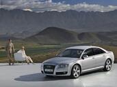 Audi A8  photo 38 http://www.voiturepourlui.com/images/Audi/A8/Exterieur/Audi_A8_066.jpg