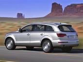 Audi Q7  photo 10 http://www.voiturepourlui.com/images/Audi/Q7/Exterieur/Audi_Q7_010.jpg