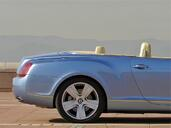 Bentley Continental GTC  photo 5 http://www.voiturepourlui.com/images/Bentley/Continental-GTC/Exterieur/Bentley_Continental_GTC_005.jpg