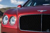 Bentley Flying Spur V8 S 2017  photo 5 http://www.voiturepourlui.com/images/Bentley/Flying-Spur-V8-S-2017/Exterieur/Bentley_Flying_Spur_V8_S_2017_005_rouge_feux_phares.jpg