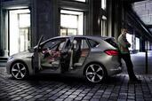 Bmw Concept Active Tourer  photo 2 http://www.voiturepourlui.com/images/Bmw/Concept-Active-Tourer/Exterieur/Bmw_Concept_Active_Tourer_002.jpg