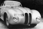 Bmw Kamm Coupe 1940  photo 13 http://www.voiturepourlui.com/images/Bmw/Kamm-Coupe-1940/Exterieur/Bmw_Kamm_Coupe_1940_013.jpg
