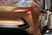 Bmw Vision Next 100 Concept 2016  photo 9 http://www.voiturepourlui.com/images/Bmw/Vision-Next-100-Concept-2016/Exterieur/Bmw_Vision_Next_100_Concept_2016_009_marron_orange_arriere_feux.jpg