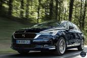 Citroen DS5 2015  photo 8 http://www.voiturepourlui.com/images/Citroen/DS5-2015/Exterieur/Citroen_DS5_2015_008_bleu_avant_face.jpg