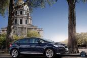 Citroen DS5 2015  photo 10 http://www.voiturepourlui.com/images/Citroen/DS5-2015/Exterieur/Citroen_DS5_2015_010_bleu_avant_profil.jpg