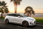Citroen DS5 Pure Pearl  photo 8 http://www.voiturepourlui.com/images/Citroen/DS5-Pure-Pearl/Exterieur/Citroen_DS5_Pure_Pearl_008.jpg