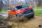 Dodge Ram Rebel Mopar 2016  photo 8 http://www.voiturepourlui.com/images/Dodge/Ram-Rebel-Mopar-2016/Exterieur/Dodge_Ram_Rebel_Mopar_2016_008_rouge_noir_avant.jpg