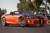 Dodge Viper SRT10  photo 4 http://www.voiturepourlui.com/images/Dodge/Viper-SRT10/Exterieur/Dodge_Viper_SRT10_004.jpg
