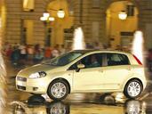 Fiat Grande Punto  photo 17 http://www.voiturepourlui.com/images/Fiat/Grande-Punto/Exterieur/Fiat_Grande_Punto_017.jpg