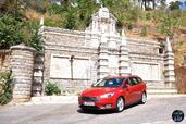 Ford Focus SW 2015  photo 8 http://www.voiturepourlui.com/images/Ford/Focus-SW-2015/Exterieur/Ford_Focus_SW_2015_008_rouge.jpg