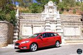 Ford Focus SW 2015  photo 9 http://www.voiturepourlui.com/images/Ford/Focus-SW-2015/Exterieur/Ford_Focus_SW_2015_009_rouge.jpg