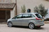 Ford Grand C Max  photo 8 http://www.voiturepourlui.com/images/Ford/Grand-C-Max/Exterieur/Ford_Grand_C_Max_009.jpg