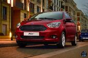 Ford Ka Plus 2016  photo 10 http://www.voiturepourlui.com/images/Ford/Ka-Plus-2016/Exterieur/Ford_Ka_Plus_2016_010_rouge_avant_calandre.jpg