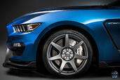 Ford Mustang Shelby GT350R  photo 7 http://www.voiturepourlui.com/images/Ford/Mustang-Shelby-GT350R/Exterieur/Ford_Mustang_Shelby_GT350R_007_jante.jpg