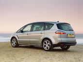 Ford S Max  photo 7 http://www.voiturepourlui.com/images/Ford/S-Max/Exterieur/Ford_Smax_006.jpg