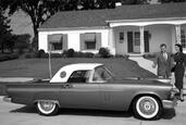 Ford Thunderbird 1955  photo 8 http://www.voiturepourlui.com/images/Ford/Thunderbird-1955/Exterieur/Ford_Thunderbird_1955_008.jpg