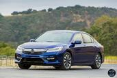 Honda Accord Hybrid 2017  photo 1 http://www.voiturepourlui.com/images/Honda/Accord-Hybrid-2017/Exterieur/Honda_Accord_Hybrid_2017_001.jpg