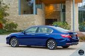 Honda Accord Hybrid 2017  photo 20 http://www.voiturepourlui.com/images/Honda/Accord-Hybrid-2017/Exterieur/Honda_Accord_Hybrid_2017_023_bleu_touring_arriere_profil.jpg