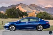 Honda Accord Hybrid 2017  photo 21 http://www.voiturepourlui.com/images/Honda/Accord-Hybrid-2017/Exterieur/Honda_Accord_Hybrid_2017_024_bleu_touring_profil.jpg