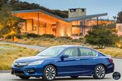 Honda Accord Hybrid 2017  photo 23 http://www.voiturepourlui.com/images/Honda/Accord-Hybrid-2017/Exterieur/Honda_Accord_Hybrid_2017_026_bleu_avant_touring.jpg