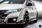 Honda Civic Type R 2015  photo 9 http://www.voiturepourlui.com/images/Honda/Civic-Type-R-2015/Exterieur/Honda_Civic_Type_R_2015_009_jante.jpg