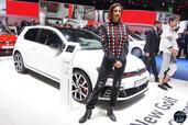 Hotesse Fille Salon Auto Geneve 2016  photo 22 http://www.voiturepourlui.com/images/Hotesse/Fille-Salon-Auto-Geneve-2016/Exterieur/Hotesse_Fille_Salon_Auto_Geneve_2016_026_volkswagen.jpg