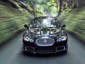 Jaguar XFR 2009  photo 9 http://www.voiturepourlui.com/images/Jaguar/XFR-2009/Exterieur/Jaguar_XFR_2009_009.jpg