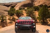 Jeep Cherokee 2014  photo 40 http://www.voiturepourlui.com/images/Jeep/Cherokee-2014/Exterieur/Jeep_Cherokee_2014_040_calandre_avant.jpg
