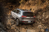 Jeep Cherokee 2014  photo 64 http://www.voiturepourlui.com/images/Jeep/Cherokee-2014/Exterieur/Jeep_Cherokee_2014_063_obsacle.jpg