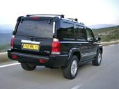 Jeep Commander  photo 2 http://www.voiturepourlui.com/images/Jeep/Commander/Exterieur/Jeep_Commander_002.jpg