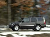 Jeep Commander  photo 5 http://www.voiturepourlui.com/images/Jeep/Commander/Exterieur/Jeep_Commander_007.jpg