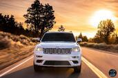 Jeep Grand Cherokee Summit 2017  photo 2 http://www.voiturepourlui.com/images/Jeep/Grand-Cherokee-Summit-2017/Exterieur/Jeep_Grand_Cherokee_Summit_2017_002.jpg