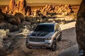 Jeep Grand Cherokee Trailhawk 2017  photo 7 http://www.voiturepourlui.com/images/Jeep/Grand-Cherokee-Trailhawk-2017/Exterieur/Jeep_Grand_Cherokee_Trailhawk_2017_007_gris_avant.jpg