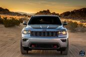 Jeep Grand Cherokee Trailhawk 2017  photo 15 http://www.voiturepourlui.com/images/Jeep/Grand-Cherokee-Trailhawk-2017/Exterieur/Jeep_Grand_Cherokee_Trailhawk_2017_018_gris_phares_feux_avant_face.jpg