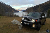 Jeep Renegade Limited 2015  photo 5 http://www.voiturepourlui.com/images/Jeep/Renegade-Limited-2015/Exterieur/Jeep_Renegade_Limited_2015_005_noir.jpg