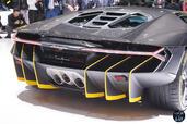Lamborghini Centenario Salon Geneve 2016  photo 7 http://www.voiturepourlui.com/images/Lamborghini/Centenario-Salon-Geneve-2016/Exterieur/Lamborghini_Centenario_Salon_Geneve_2016_007.jpg