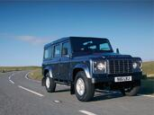 Land-Rover Defender  photo 1 http://www.voiturepourlui.com/images/Land-Rover/Defender/Exterieur/Land_Rover_Defender_001.jpg