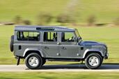 Land-Rover Defender  photo 5 http://www.voiturepourlui.com/images/Land-Rover/Defender/Exterieur/Land_Rover_Defender_005.jpg