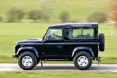 Land-Rover Defender  photo 10 http://www.voiturepourlui.com/images/Land-Rover/Defender/Exterieur/Land_Rover_Defender_010.jpg