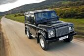 Land-Rover Defender  photo 11 http://www.voiturepourlui.com/images/Land-Rover/Defender/Exterieur/Land_Rover_Defender_011.jpg