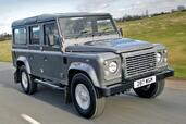 Land-Rover Defender  photo 13 http://www.voiturepourlui.com/images/Land-Rover/Defender/Exterieur/Land_Rover_Defender_013.jpg