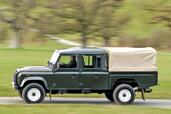 Land-Rover Defender  photo 15 http://www.voiturepourlui.com/images/Land-Rover/Defender/Exterieur/Land_Rover_Defender_015.jpg